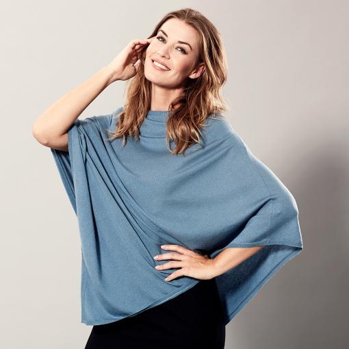 Blue poncho in silk/cashmere